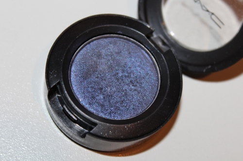 Тени для век MAC Small Eye Shadow  Contras