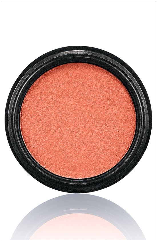 тени для век MAC Electric Cool Eyeshadow Dynamo - Mid-tone coral (средний тон кораллового)