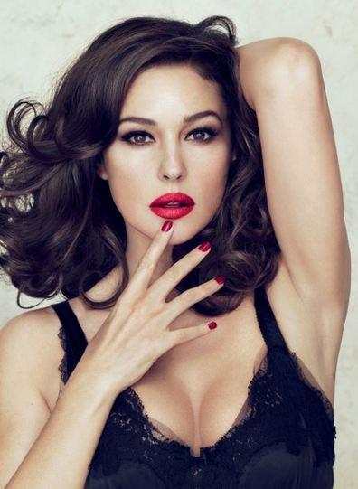 Лимитированная коллекция губных помад Dolce & Gabbana совместно с Моникой Булуччи. The Monica Voluptuous Lipstick Collection