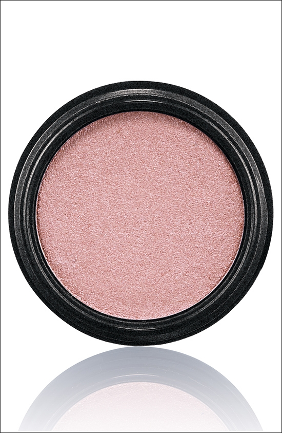 тени для век MAC Electric Cool Eyeshadow Love Power - Soft shimmering rose (мягкий сверкающий розовый)