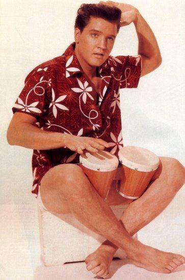Элвис Пресли в гавайской рубашке