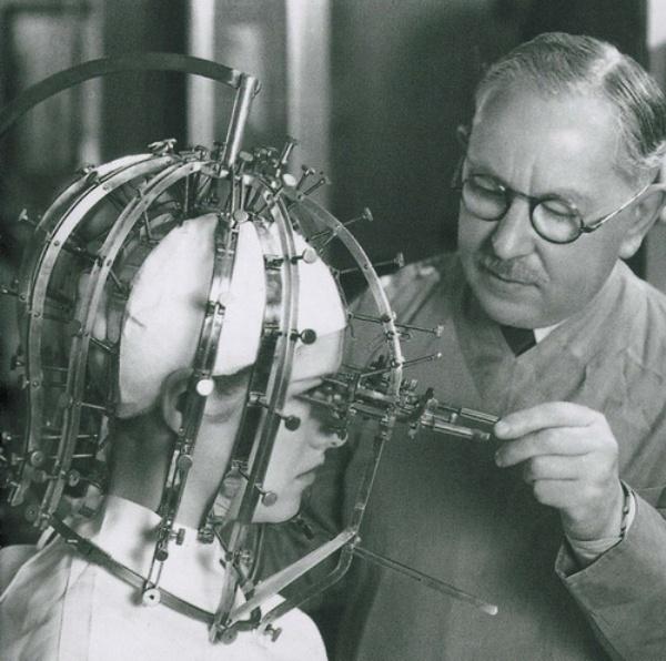 калибратор красоты Макса Фактора (Max Factor micrometer)