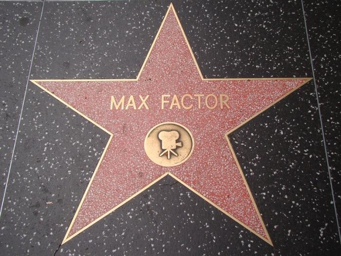 Звезда славы Макса Фактора на аллее Голливуда