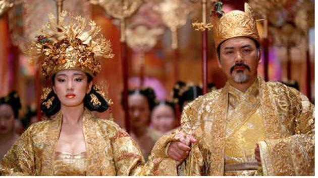 платье из золота