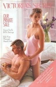 В 1991 году в рекламе Victoria's Secret одновременно пропали мужчины и появились трусики стринги, украшенные камнями.