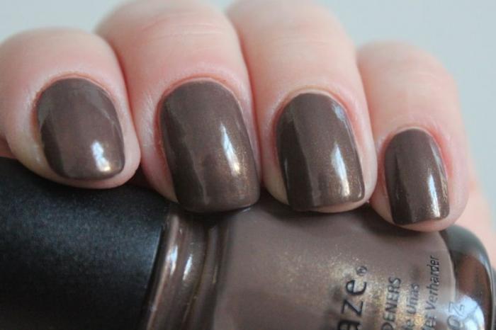 Свотчи лака для ногтей China Glaze «Ingrid»