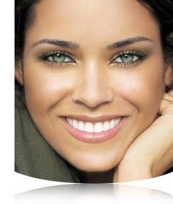 золотистый и цвет меди подойдут для создания гламурного образа и вечернего макияжа