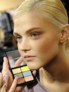 Весенняя коллекция макияжа MAC Forecast Spring 2013 Collection