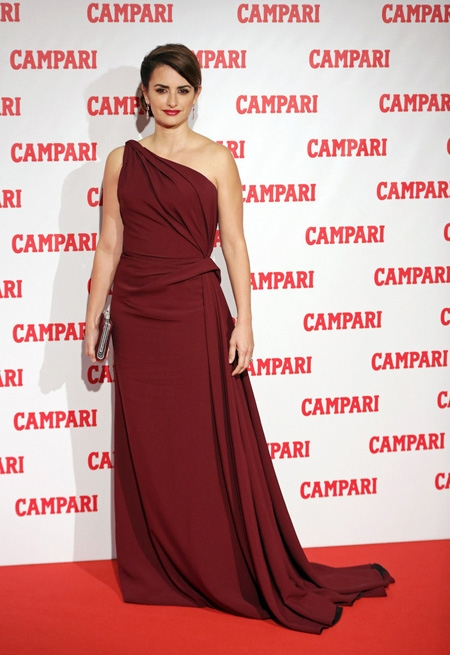 Penelope Cruz Armani Prive Campari 2013