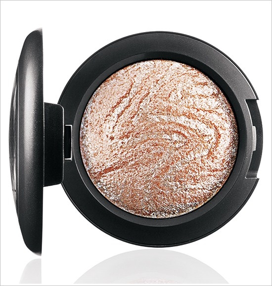Минеральные тени для век Mineralize Eyeshadow Ice - Light peach base with white veining
