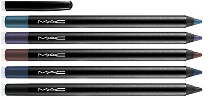 Стойкий карандаш для глаз Pro Longwear Eye Liner