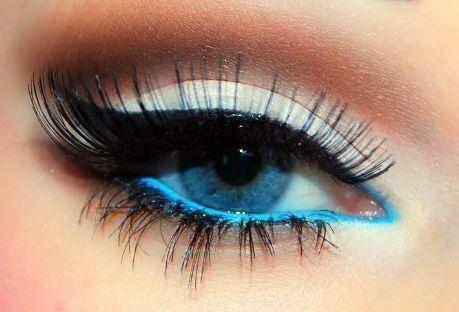 Фото примеров макияжей для голубых глаз