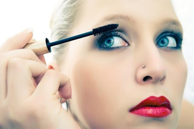 Макияж для голубых глаз фото