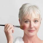 Советы, как выглядеть моложе при помощи правильного макияжа