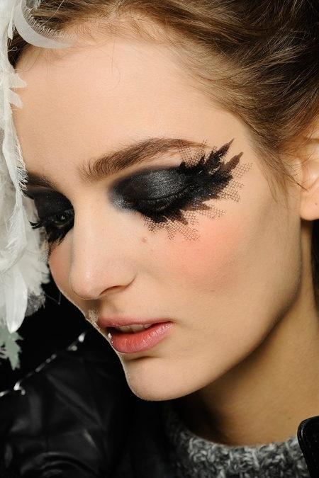 Питер Филипс уходит с поста креативного директора по макияжу компании Chanel