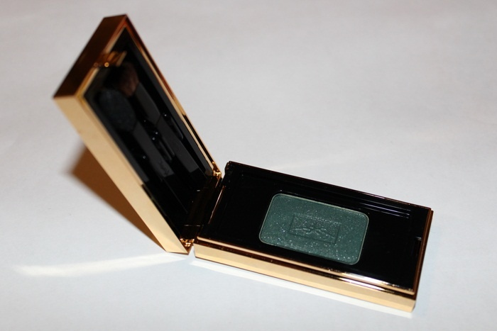 Свотчи теней для век Yves Saint Laurent Ombre Solo Lasting Radiance Smoothing Eye Shadow №05 Slate Green