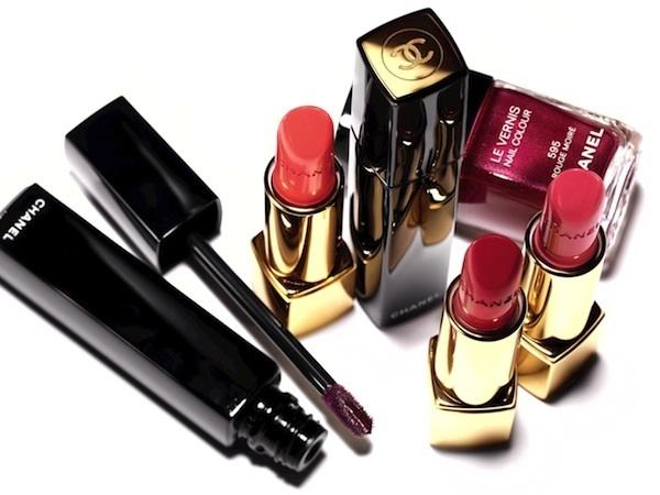 Насыщенный блеск для губ Chanel Rouge Allure Extrait de Gloss