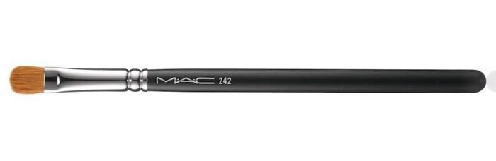 Кисть для кремовых теней из синтетического ворса MAC Brush