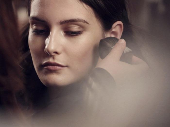 Осенне-зимняя коллекция макияжа Burberry Trench Kisses Autumn-Winter 2013 Collection