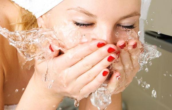 умывание прохладной водой
