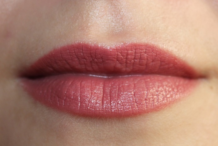 Свотчи Rimmel Lasting Finish By Kate Lipstick №08