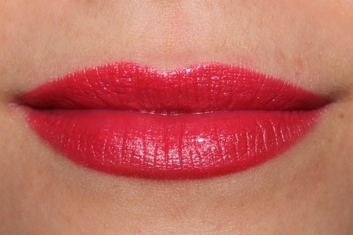 свотчи губной помады Inglot Lipstick №124