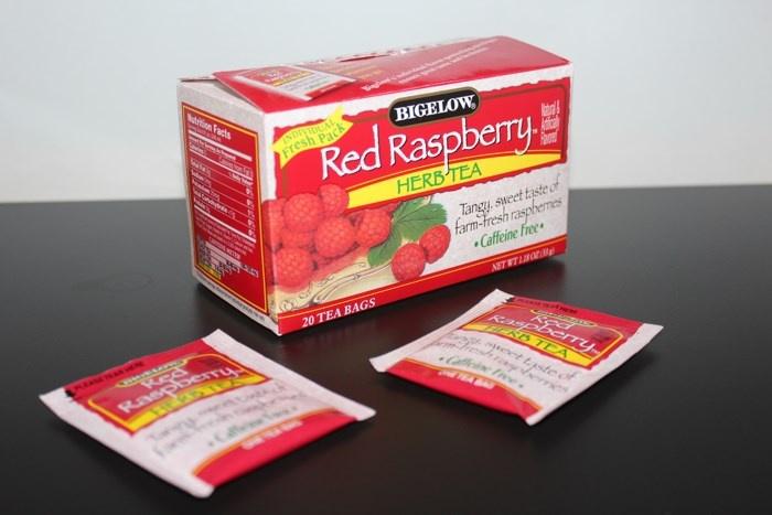Травяной чай без кофеина Bigelow, Herb Tea, Red Raspberry, Caffeine Free (20 чайных пакетиков)