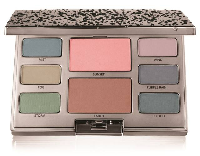 Палетка для макияжа глаз и щек Watercolour Mist Eye & Cheek Palette (новинка)