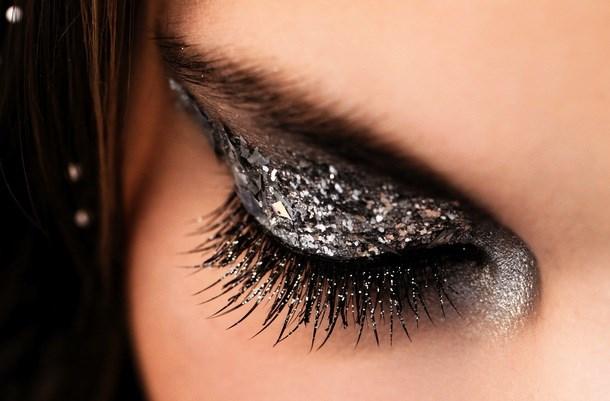 Примеры фото макияжа с глиттером (блестками)