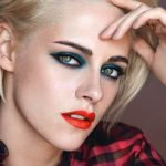 Осенняя коллекция макияжа Chanel Fall 2017 Makeup Collection